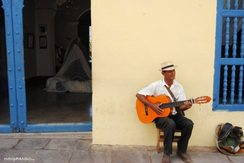 Chitarrista cubano per strada