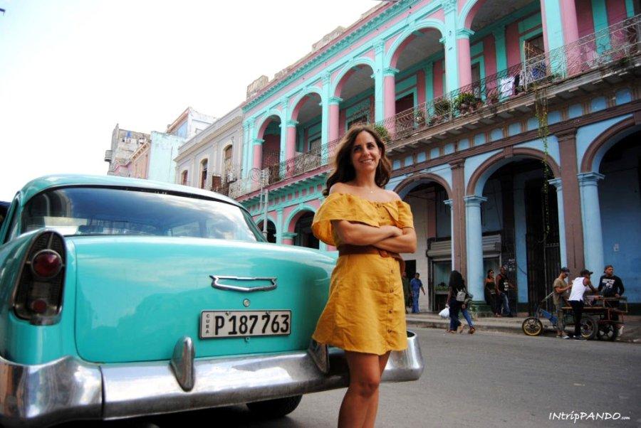 I colori degli edifici coloniali dell'Avana