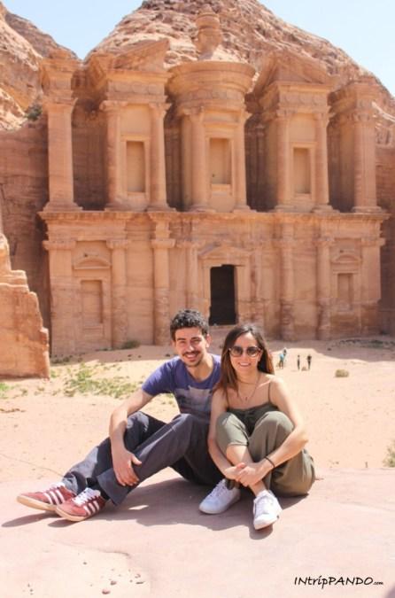 La splendida facciata del Monastero a Petra