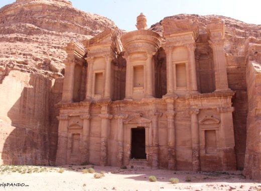 Facciata del Monastero a Petra