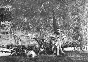 Karl Kraus no seu jardim