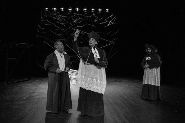 Crítica da peça de teatro A Vida de Galileu - Palácio do Bolhão, 10/11/2017