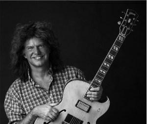 Reportagem do concerto do guitarrista norte-americano Pat Metheny no Coliseu do Porto, realizado no dia 1 de Julho de 2018 - INTRO