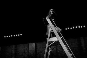 """Crítica da peça """"O Resto Já Devem Conhecer do Cinema"""", de Martin Crimp, apresentada no Teatro Nacional de São João a 5/4/2019   INTRO"""