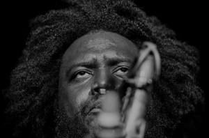 Reportagem do concerto do saxofonista norte-americano Kamasi Washington, no Hard Club, a 10 de Maio de 2019 | INTRO