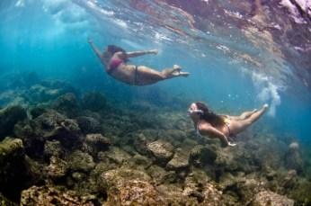 om-girls-underwater-dive-diving-472926