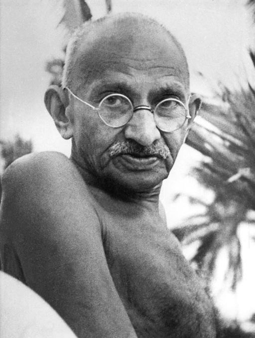 33 Quotes by Gandhi on Life and Changing the World