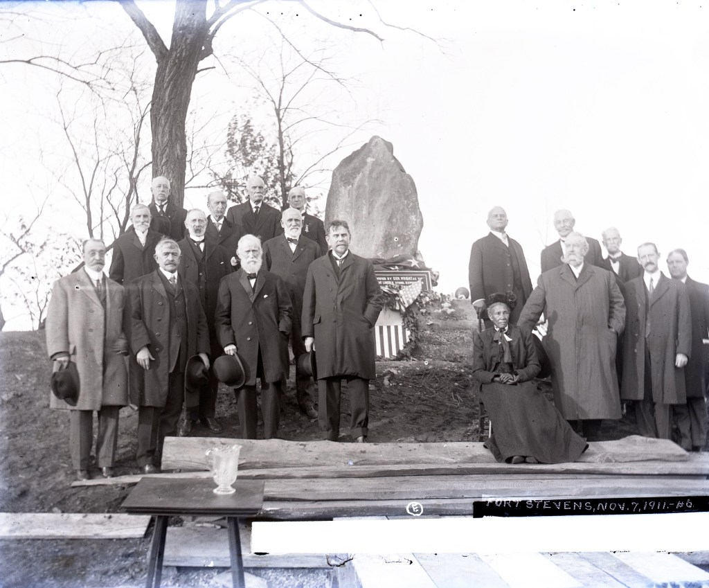 Elizabeth Thomas with Civil War Veterans (including Invalid Corps)