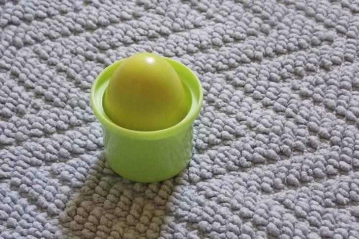 Oul şi cana - egg shaker în cană