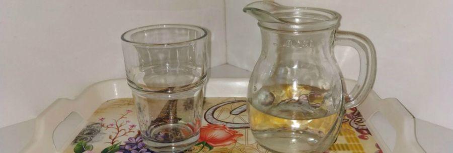 Carafa cu apă