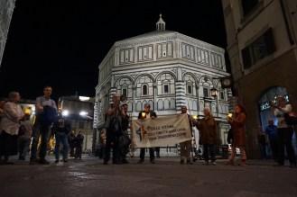 """Veglia e """"Fiaccolata di luci"""" per il superamento dell'omotrasfobia e ogni discriminazione nella Parrocchia Madonna della Tosse (Firenze, 17 maggio 2017)"""