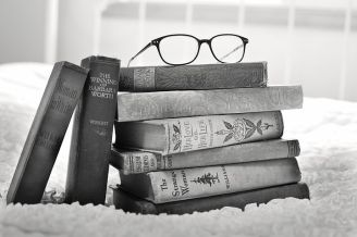stack-of-books-1001655__480
