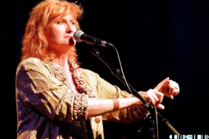 Eddi Reader 10 - Eddi tops the show