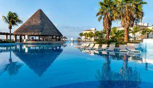 Moon Palace cancun luxury pool bar