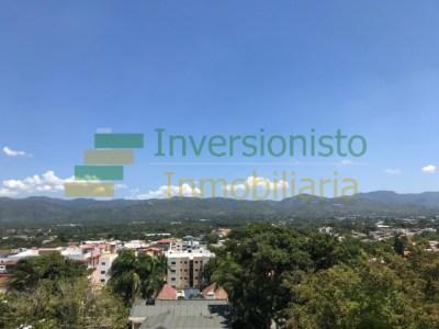Fascinante Mansión con 5 Habitaciones, Piscina en la Zurza, Santiago