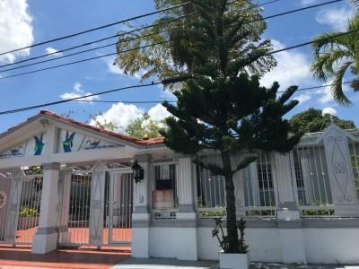 Casa de 4 Habitaciones en Urb. El Embrujo I en Santiago