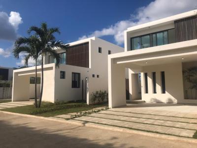 Casa con 270 Mts2 en Valdepeña Residences, Santiago