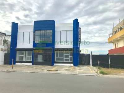 Edificio Comercial de 3 Niveles con Almacén, Padre Las Casas, Santiago