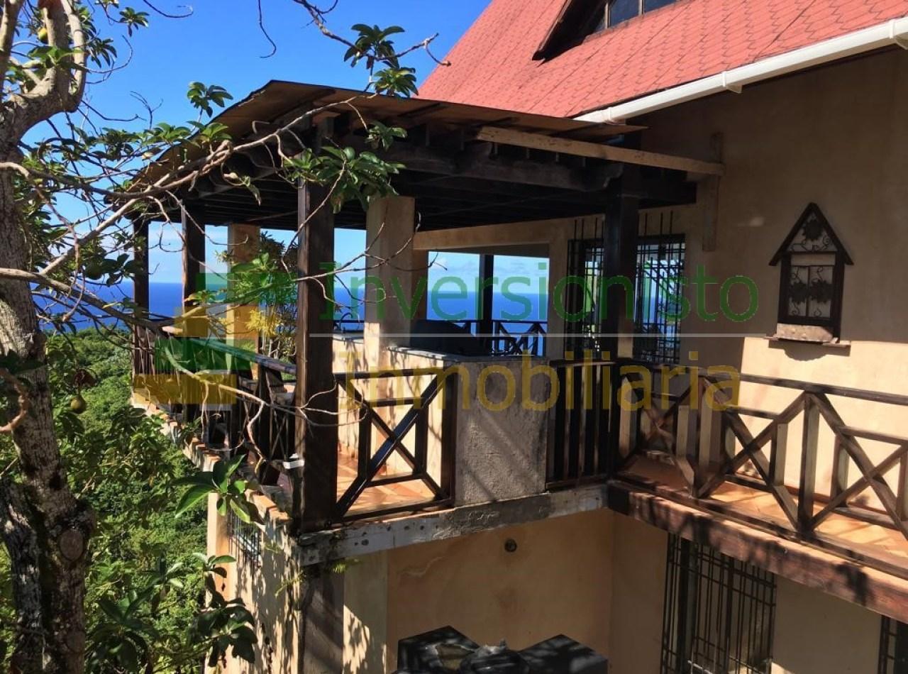 Cómoda Villa con Hermosa Vista en San Juan, República Dominicana
