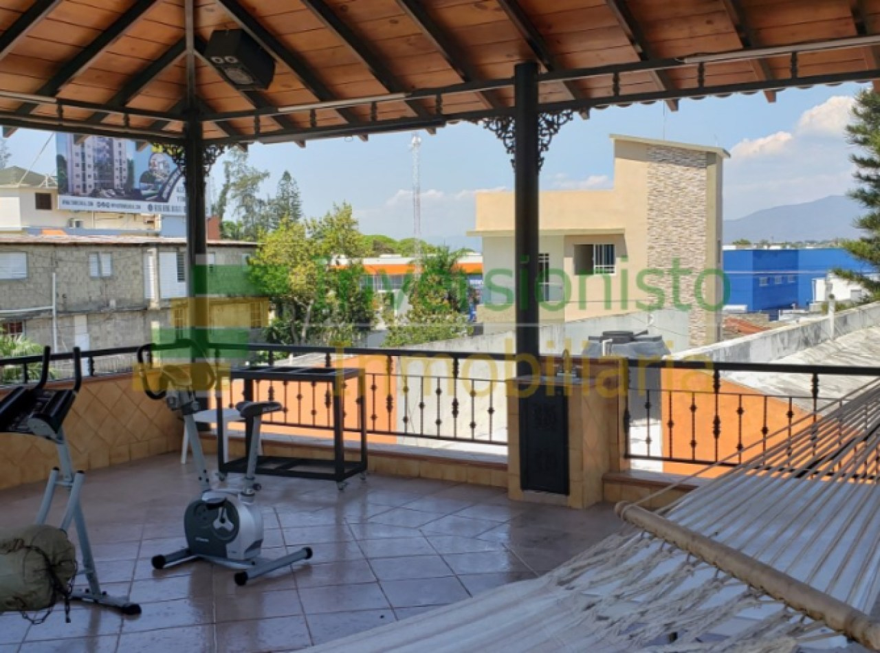 Hermosa Casa Inteligente en Caoba en Urb. Los Colegios, Santiago
