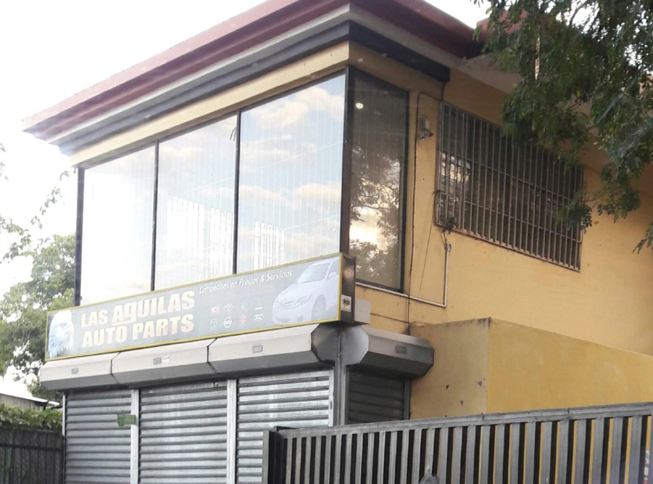 Local comercial disponible en Avenida 27 de Febrero, Santiago