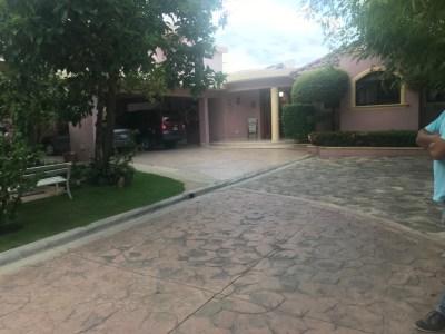 Casa En Jardines Del Este Santiago