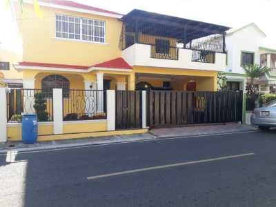 Casa de 3 Habitaciones en Venta en el Embrujo I, Santiago
