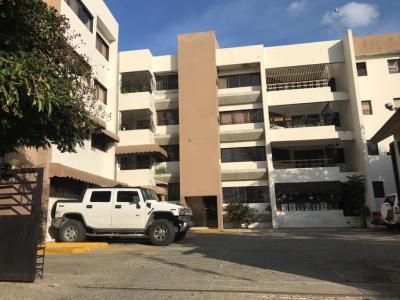 Apartamento en 2do Nivel en la Esmeralda, Santiago