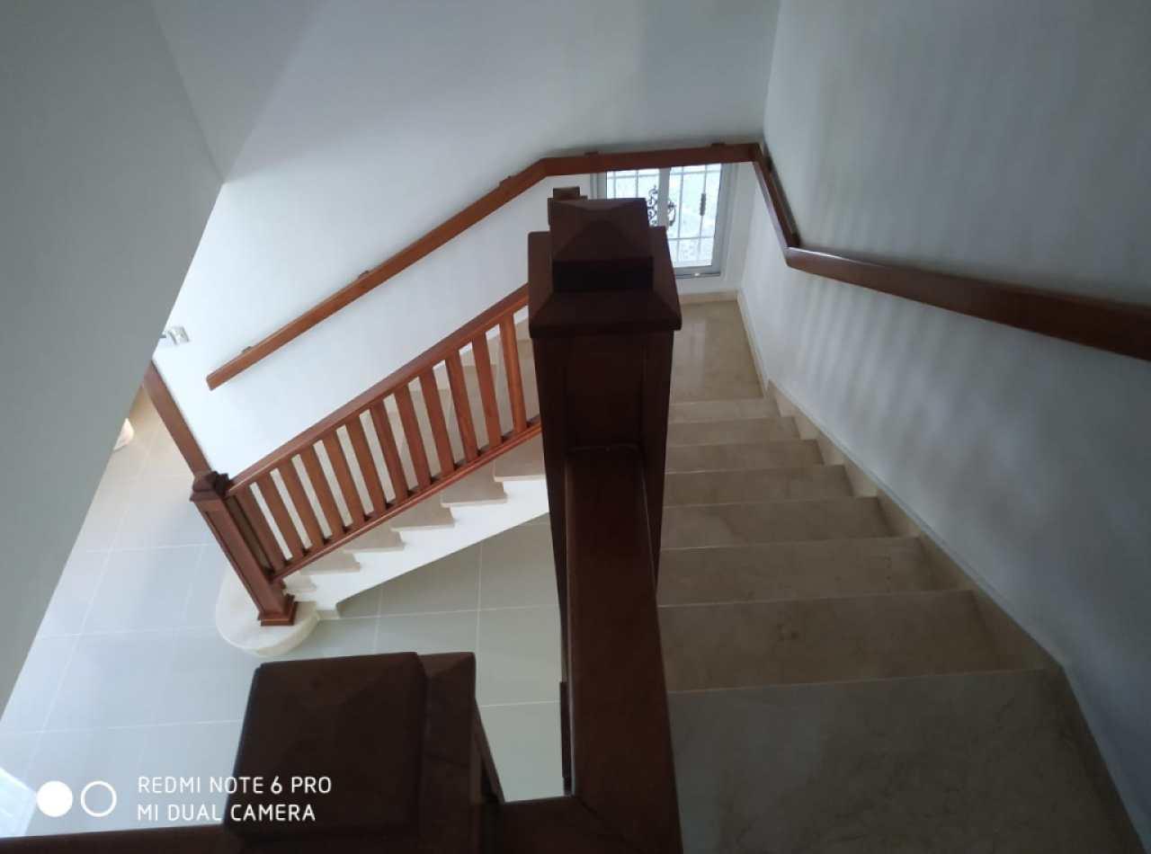 Casa en Venta de 2 Niveles en Valle Verde Santiago de los Caballeros