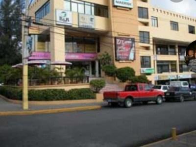 Local Comercial en Alquiler, Plaza Trinitaria, Santiago.