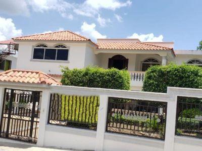 Casa hermosa y grande  en venta vista linda