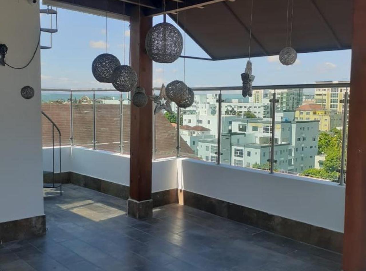 Amplio y Precioso Apartamento Disponible en La Esmeralda, Santiago.