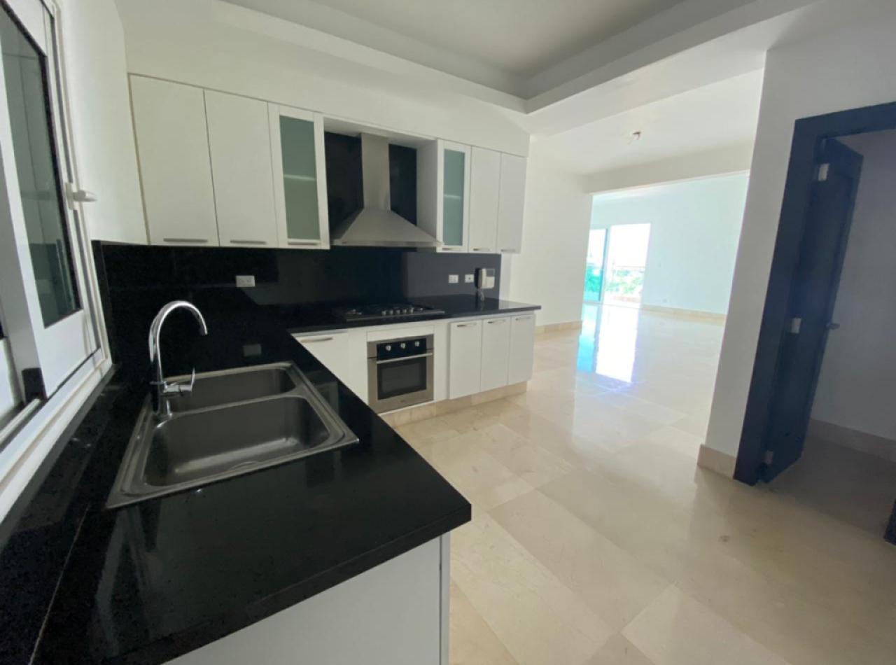 Precioso Apartamento en 8vo Nivel, La Esmeralda, Santiago