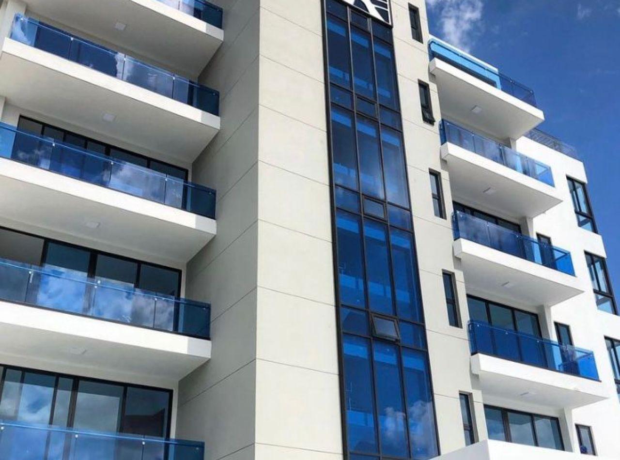 Fino Apartamento en Torre, Disponible en Cerros de Gurabo