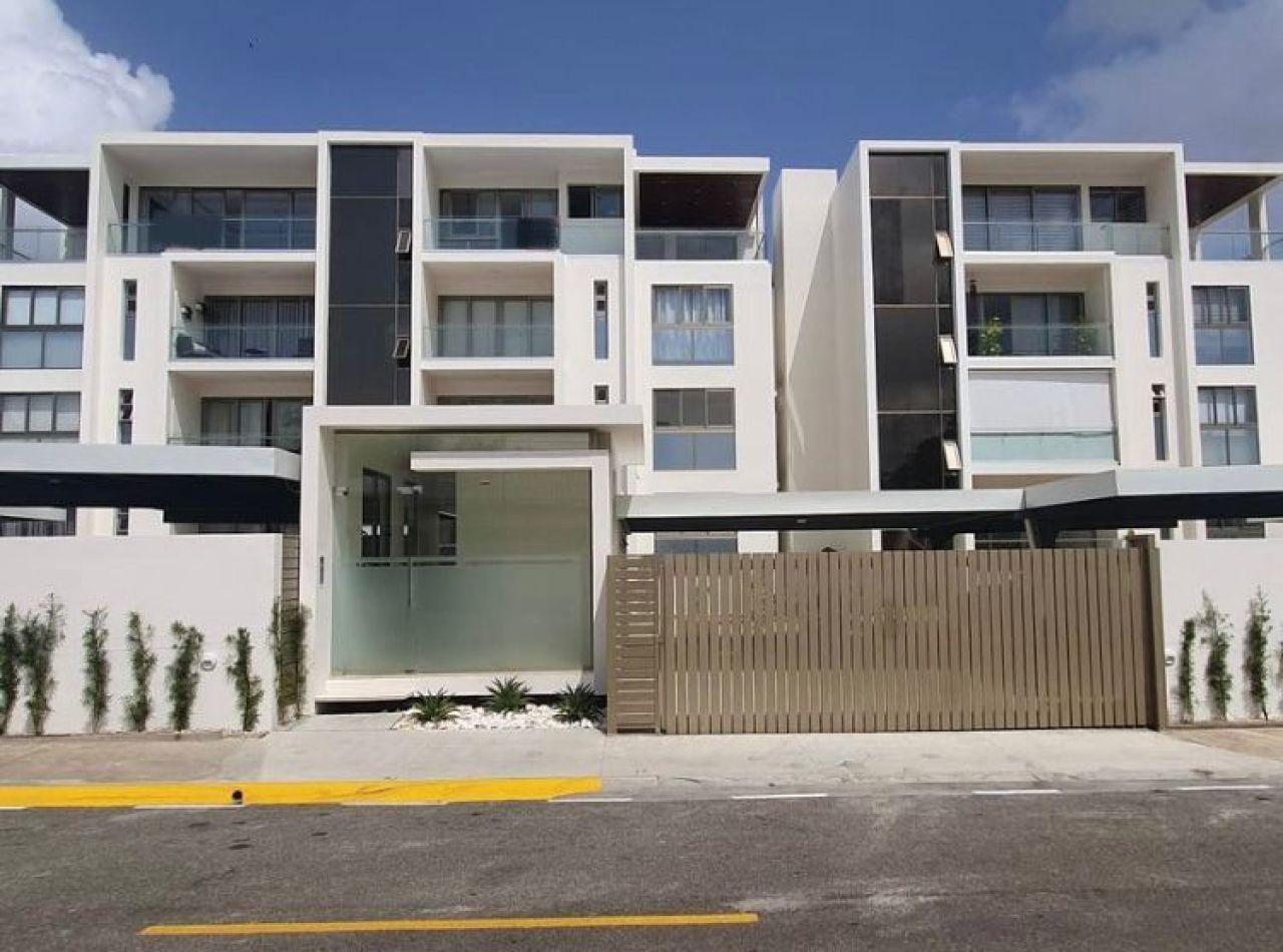 Moderno Apartamento 285 Mts2, Cerros de Gurabo