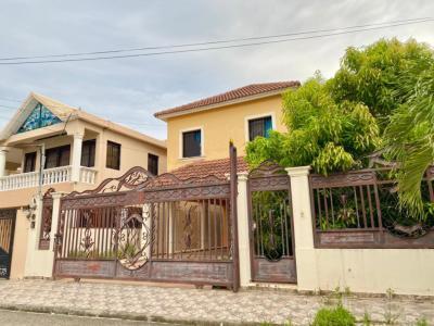 Preciosa Casa con Piscina y Jacuzzi de Oportunidad, Padre Las Casas