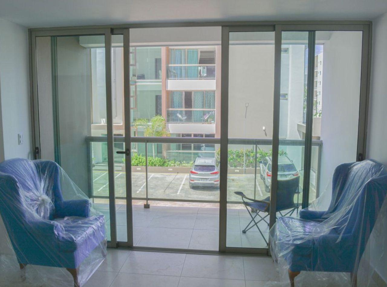 Apartamento con Piscina, Delicado Diseño, 160 Mts2, 3 Habitaciones