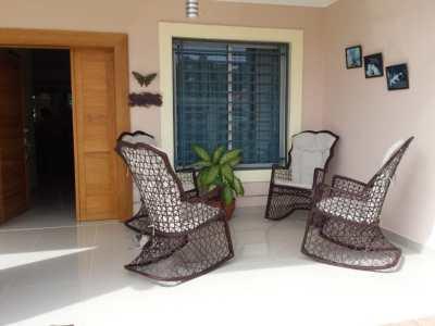 Acogedora Residencia Disponible en Llanos de Gurabo
