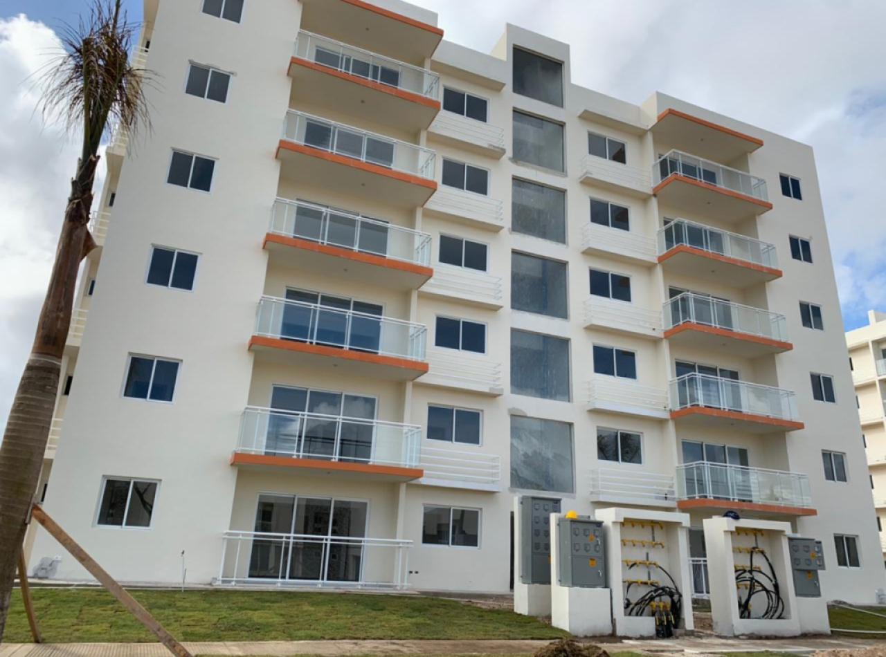 Apartamentos Económicos con Piscina, A 15 minutos de la Playa