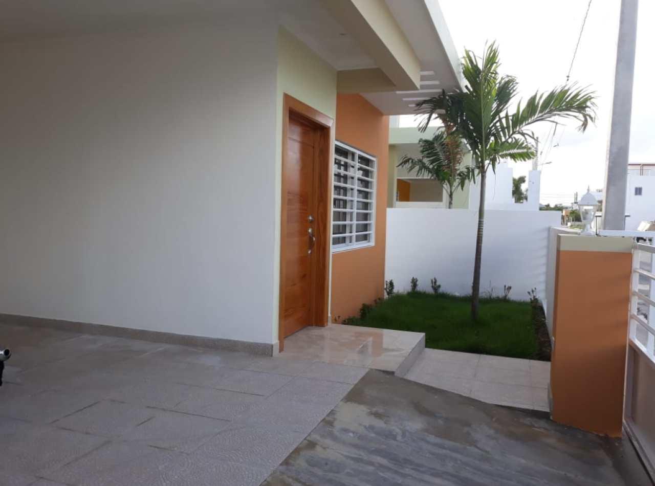 Villas Calamar Disponibles en Residencial Cerrado cerca de la Playa