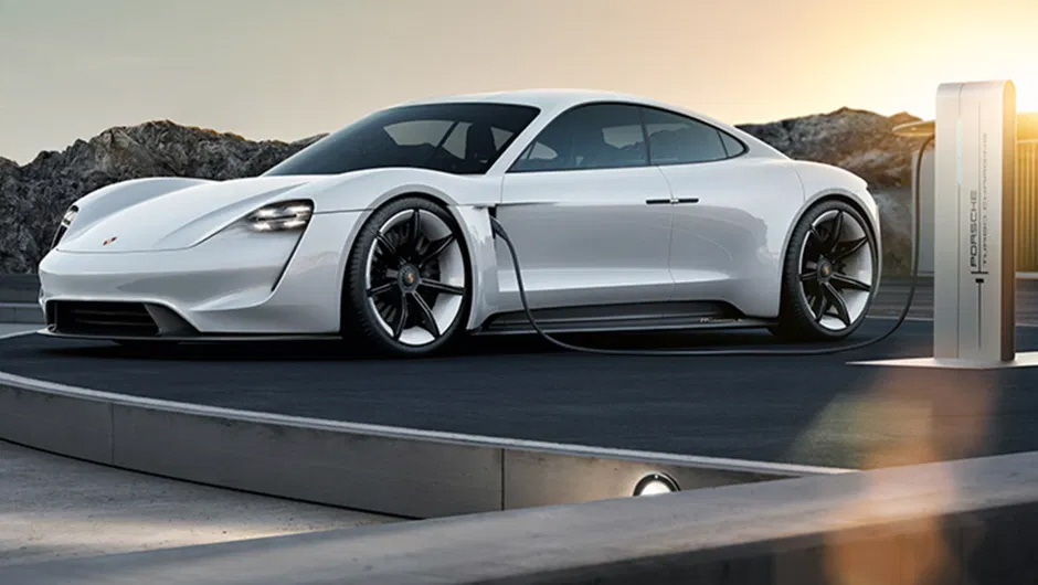 Tesla Model S o Porsche Taycan ,  Gates eligió Porsche ¿y tu?
