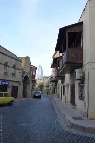 アゼルバイジャンの世界遺産旧市街の様子