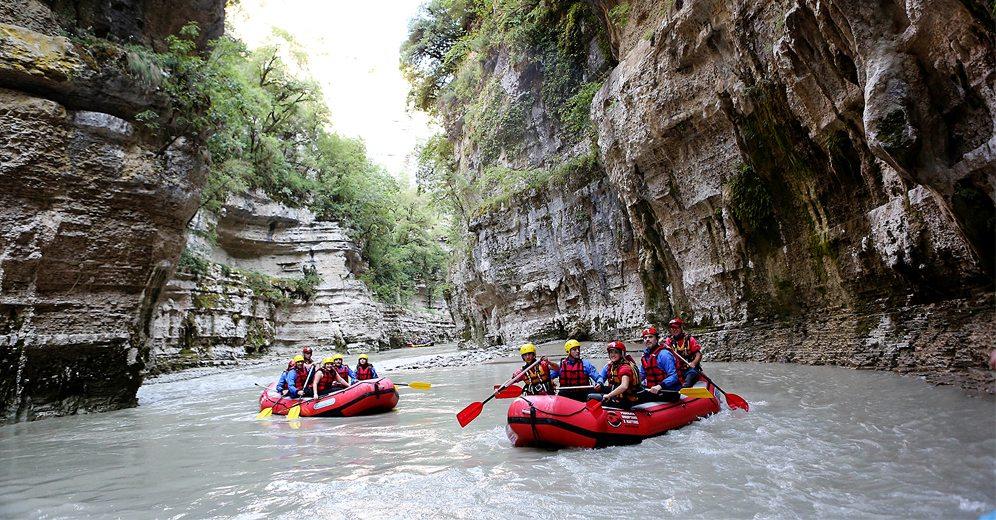 Rafting in Albania • IIA