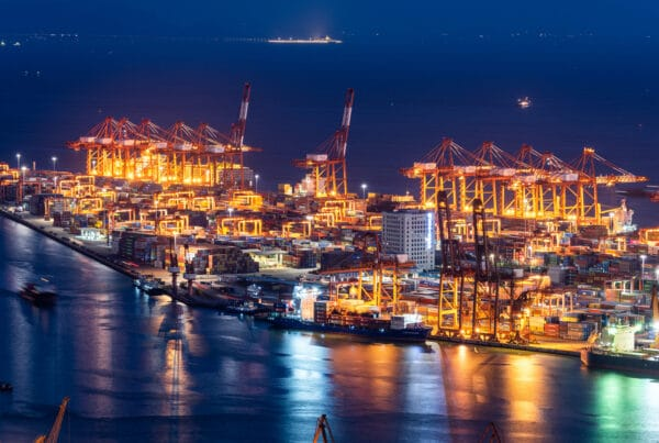 OneConnect, a division of China's diversified insurer and smart cities investor Ping An, has announced a successful blockchain-powered smart port initiative, connecting 2 of the Guangdong-Hong Kong-Macau region's 37 ports, in cooperation with China Merchants Group.