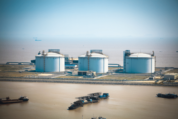 energy major bp announced that it has begun directly supplying gas customers in China with liquefied natural gas (LNG) that it has imported into the country.