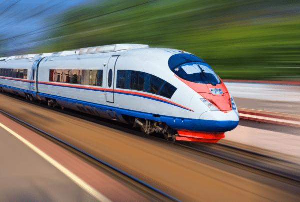 Illinois legislature has sent Governor Prizer a bill to create High-Speed Railway Commission for network connecting St. Louis to Chicago.