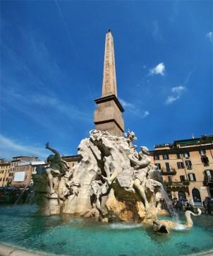 Gian Lorenzo Bernini: Fuente de los Cuatro Rios. Piazza Navona, Roma.