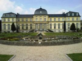 Fachada hacia el jardín del Palacio de Poppelsdorf.