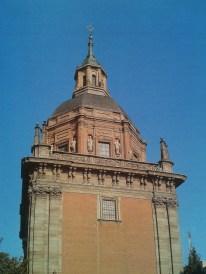 Exterior de la cúpula de la Capilla de San Isidro en la Iglesia de San Andrés, Madrid.