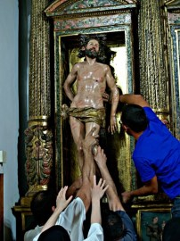 Instalación de la escultura en el Monasterio de Santa Sofia de Toro.